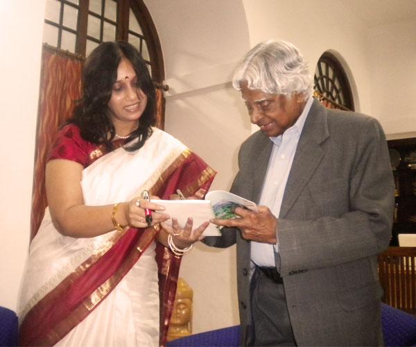 Kalam-signing-autograph