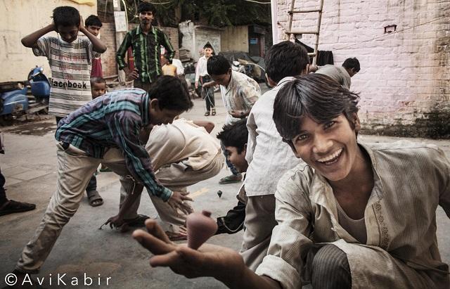 children-playing-avi-kabir-lifebeyondnumbers