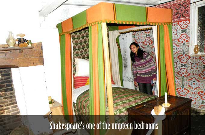 Shakespear-bedroom