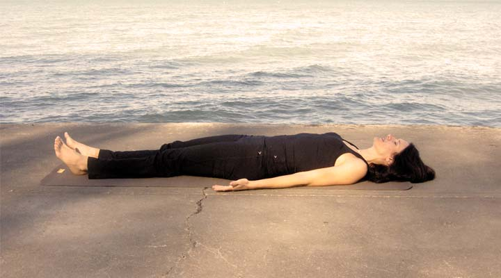 Shavasana – The Corpse Pose That Enlivens Body, Mind & Soul | Life ...