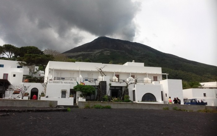 Stromboli-hotel-italy-lifebeyondnumbers
