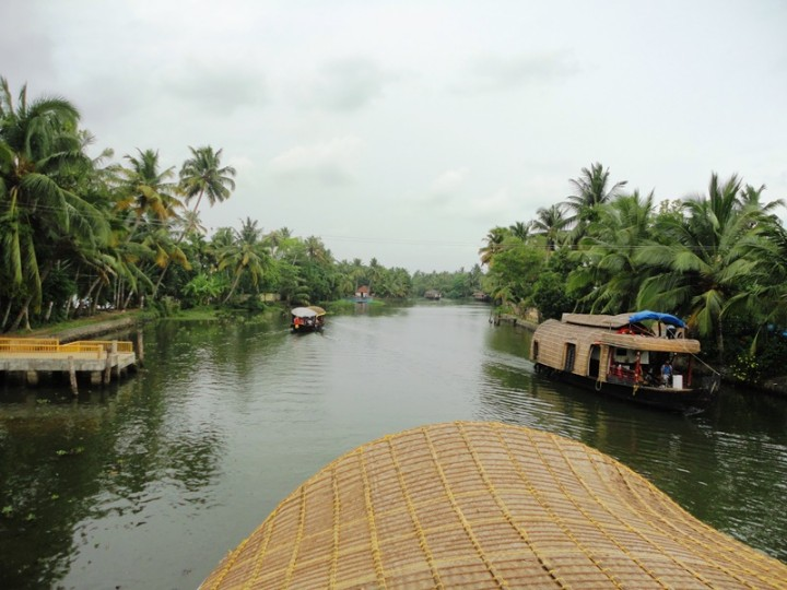 kerala-backwaters-lifebeyondnumbers
