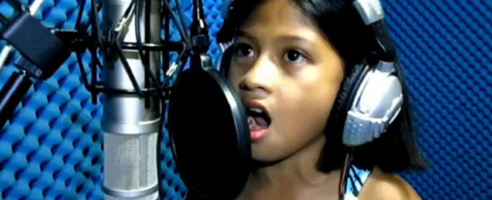 You Just Can't Guess Her Age From Her Powerful Voice