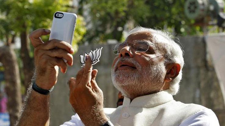 narendra modi selfie social media