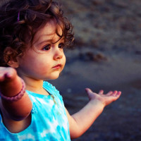 7 Better Ways To Raise Your Daughter As A Confident And Strong Woman