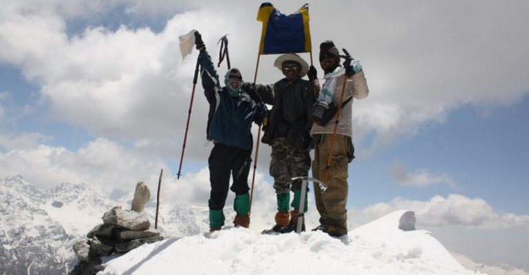 Vikas at Pangarchula Peak with his friends