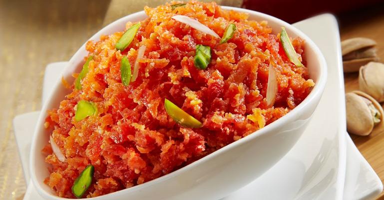gajar ka halwa must eat delhi
