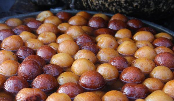 gulab jamun, must eat indian food