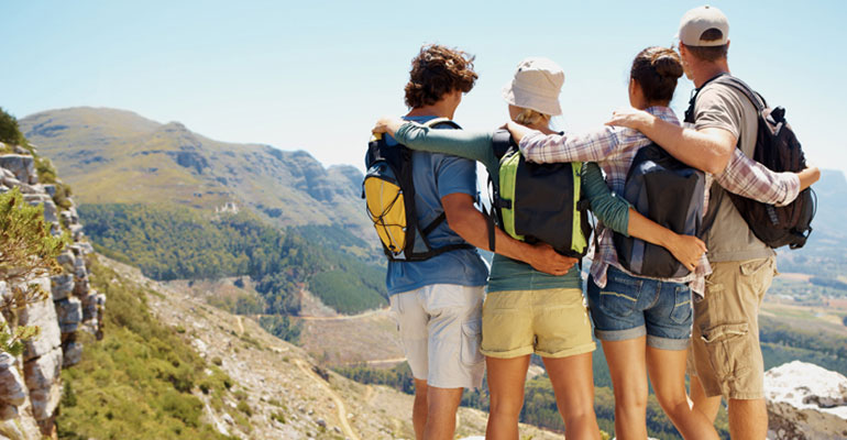 how to travel cheap as student