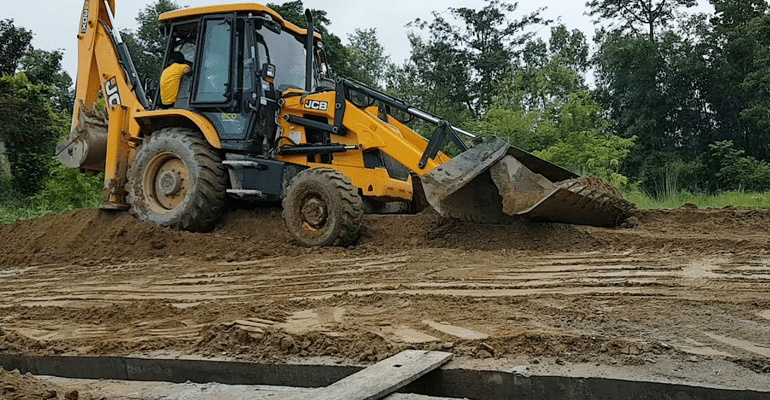 After Govt. Failed To Respond, Odisha Villagers Are Constructing A 3KM Road With Personal Money